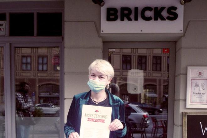 Besitzerin von der Cafébar Bricks in Augsburg